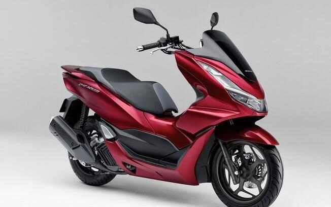 Honda PCX 160 vem com estilo arrojado e freio a disco ventilado na roda dianteira entre os destaques