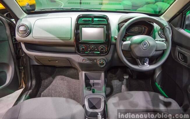 O Renault Kwid com câmbio automatizado Easy-R usa um seletor de marchas no painel central.