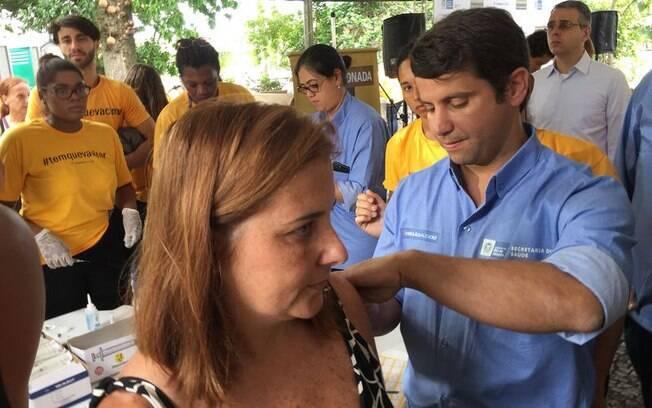 Atualmente, a vacina contra febre amarela é incluída no calendário vacinal de 21 estados brasileiros, segundo a pasta