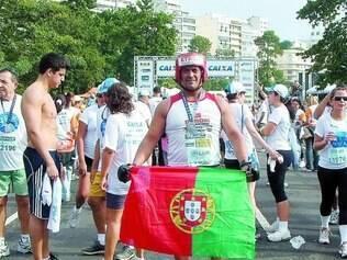 Competidor. Carlos de Souza, o 'Etrom', participa de provas de corrida em vários lugares do mundo sempre fantasiado de boxeador