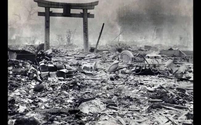 Devastação na cidade de Hiroshima após a queda da bomba nuclear, em agosto de 1945