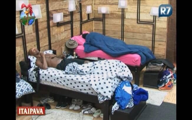 Competidores retornam ao sono antes do almoço
