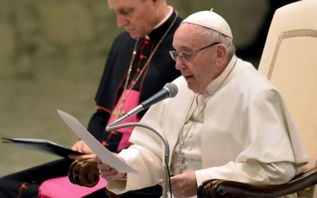 O papa Francisco ofereceu hospedagem em uma instituição da Santa Sé à uma mulher indigente que deu a luz na rua nesta madrugada