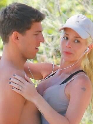 Está é a primeira vez que Danielle Winits e Amaury são vistos em clima de romance