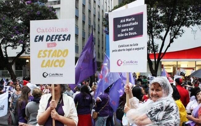 Mulheres do Católicas Pelo Direito de Decidir participam da marcha de 8 de março, Dia Internacional da Mulher