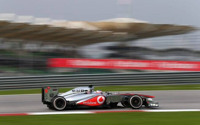 Jenson Button acelera sua McLaren no GP da  Malásia