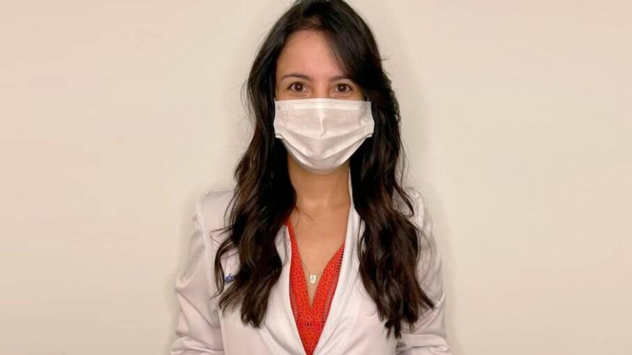 Ana Paula Swerts vive diariamente o drama da superlotação dos leitos de hospitais