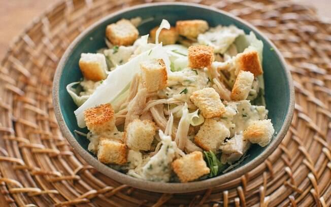 A salada de frango é ótima para quem quer um incentivo a mais pra comer verduras