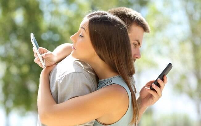 O site aponta que a quarentena está aumentando os acessos de casados