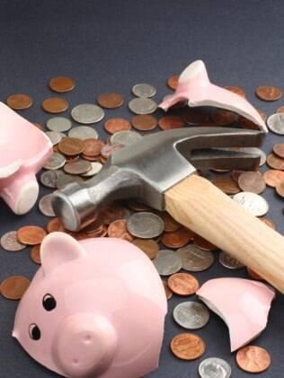 Saques da poupança superam depósitos em R$ 3,1 bilhões em maio e batem recorde