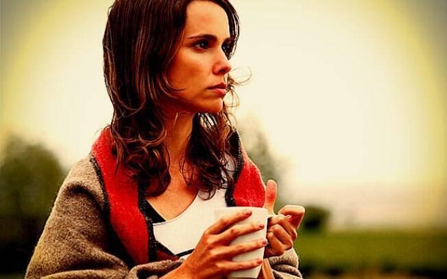 Nina (Débora Falabella) fará de tudo para se vingar de todo o sofrimento causado por sua madrasta, Carminha (Adriana Esteves)