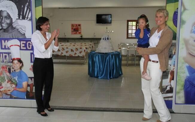 Xuxa abrindo as portas do novo espaço