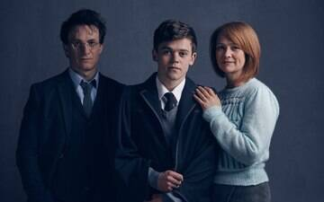 "Descubra o que acontece em ""Harry Potter and the Cursed Child"""