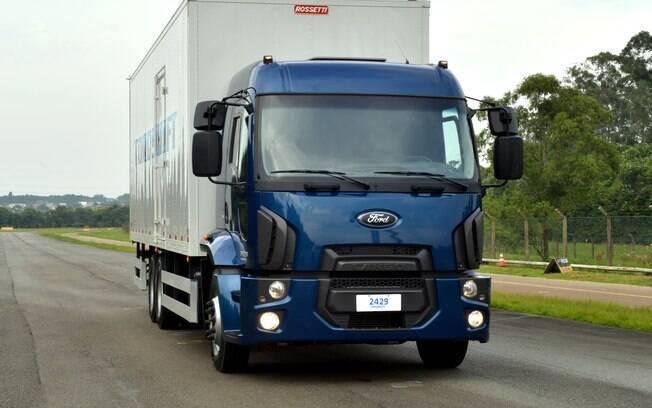 Aceleramos O Novo Ford Cargo Torqshift Com Motor De 290 Cavalos