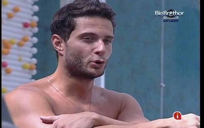 Ronaldo critica jeito de Fabiana para Renata