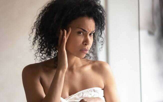 Você não precisa parar a rotina de cuidados com a pele para deixá-la descansar, afinal, os cosméticos trazem benefícios