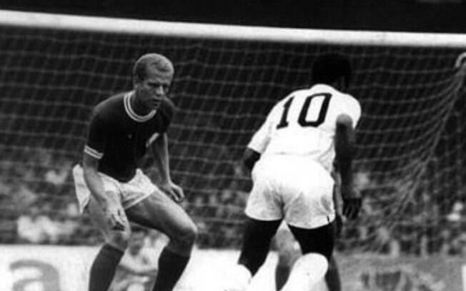 Derby paulista recebeu o nome de 'clássico da saudade' em homenagem a década de 60 quando Ademir da Guia (Palmeiras) e Pelé (Santos) atuavam