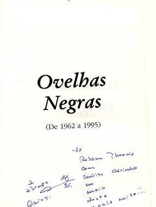 Dedicatória que Caio Fernando fez para Robson no livro 'Ovelhas Negras'