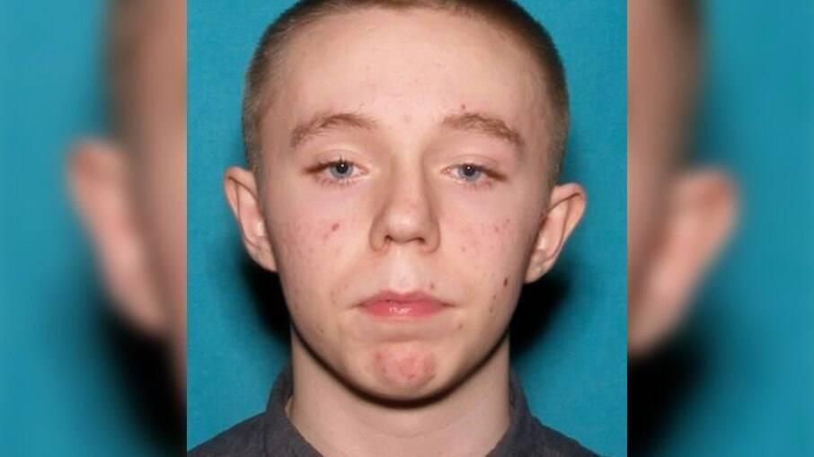 O atirador Brandon Scott Hole