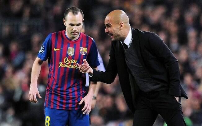 Iniesta e Pep Guardiola trabalharam juntos de 2008 a 2012 no Barcelona, considerado por muitos como o maior de todos os tempos