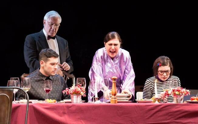 Antonio e Bruno Fagundes em cena na peça 'Tribos'