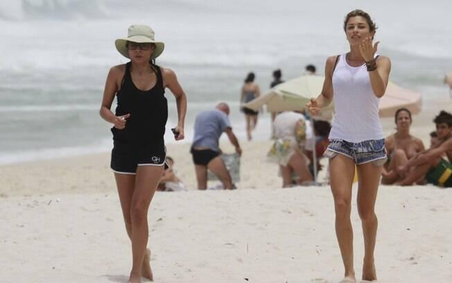 Grazi Massafera coloca exercícios em dia no Rio