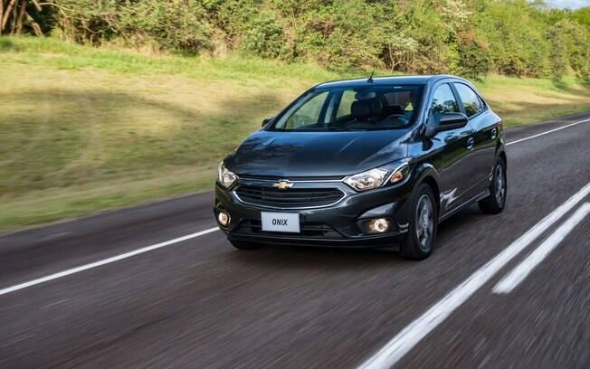 Com o reajuste, o Chevrolet Onix vai de R$ 40.290 a R$ 63.590.