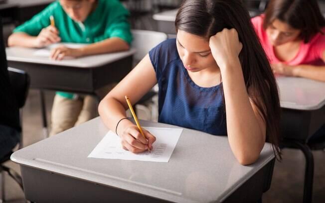 Índice que avaliou o desempenho do ensino médio avançou 0,1 ponto em 2017