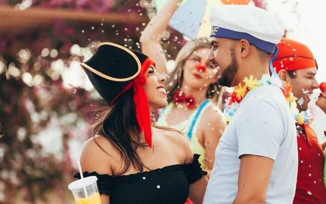 Capriche no visual e na atitude para se dar bem na paquera no carnaval