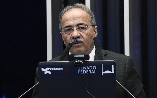 Alcolumbre diz que Conselho de Ética não pode voltar por 'conveniência' do caso Chico Rodrigues