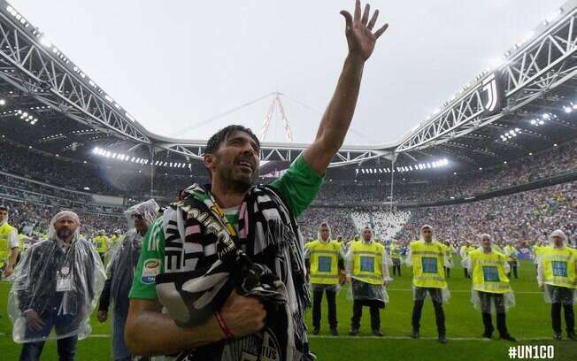 O goleiro Gianluiggi Buffon se despediu da Juventus após 17 anos e diversos títulos