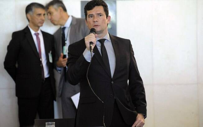 Sérgio Moro debate pacote anticrime e decreto sobre armas na Câmara; assista