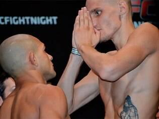 Luta de Renan Barão (a esquerda) contra Will Chope teve que ser cancelada após descoberta das agressões