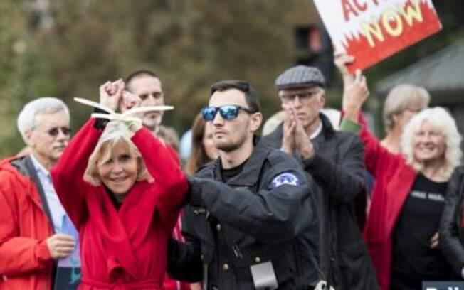 Jane Fonda é presa pela terceira vez consecutiva