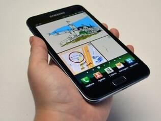 Note: no meio do caminho entre tablets e smartphones