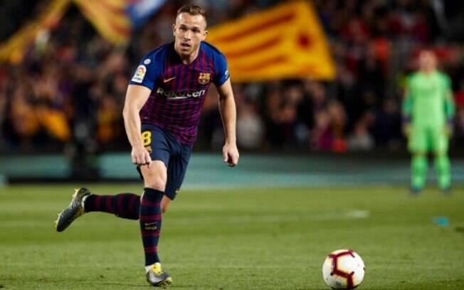 Arthur estava no Camp Nou quando sua casa foi roubada