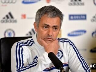Mourinho segue em sua tática de desestabilizar os rivais com 'jogos mentais'