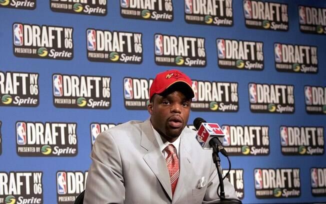 Shelden Williams foi selecionado pelo Atlanta Hawks