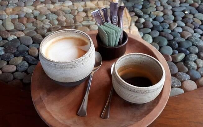 Pit Stop com o Nissan X-Trail para tomar um expresso Puro e expresso com leite na Viña Emiliana, o melhor café do Chile