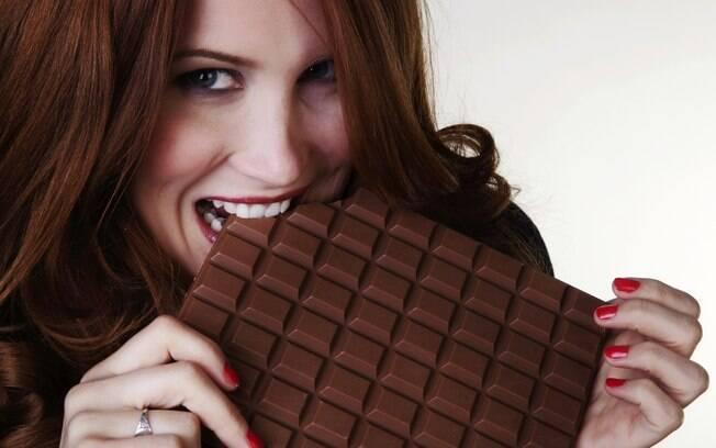Não precisa abrir mão do chocolate na Páscoa, mas faça escolhas inteligentes para não se arrepender