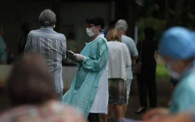 Ministério da Saúde atualizou os números de Covid-19 neste domingo (12)