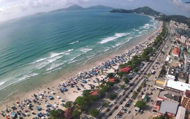 Praia Grande, em Ubatuba, é uma das sugestões de praias agitadas para curtir nesse destino do litoral norte
