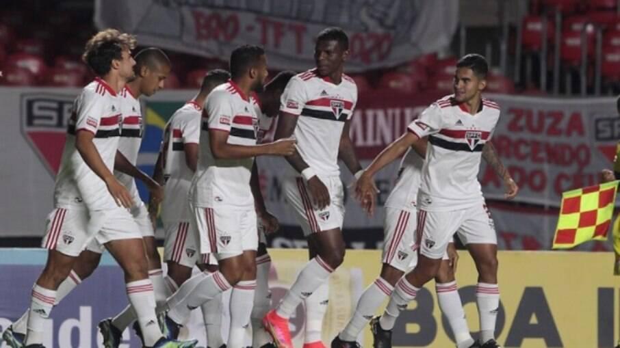 São Paulo vence Santo André no Morumbi