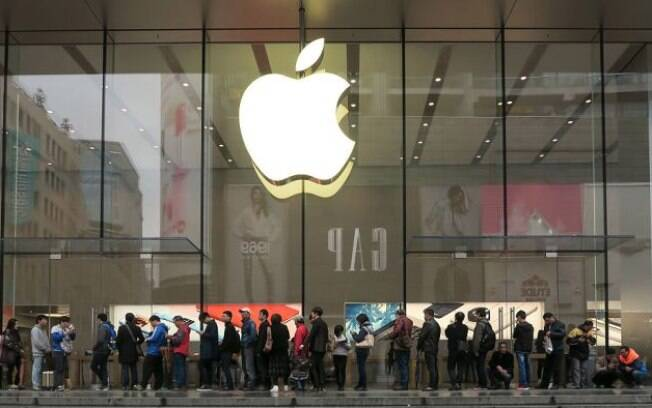 Apple bate recorde de  downloads de aplicativos