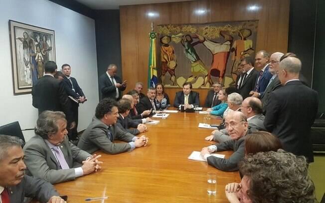 Parlamentares entregaram carta de Lula a Maia nessa terça-feira