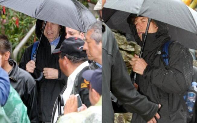 Mick Jagger passeia sob chuva no Peru