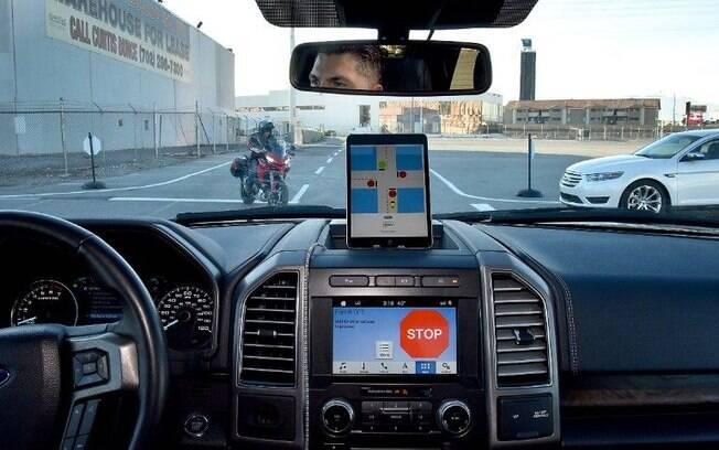 Ford mostra como funciona a tecnologia C-V2X na CES 2019, em Las Vegas (EUA).  Marca usará sistema a partir de 2022