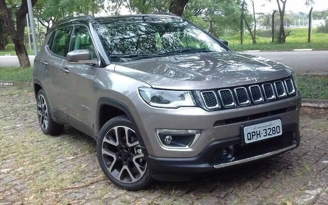 Jeep Compass 2019: versão Limited passa a ter mais itens de série, como as rodas de aro 19 com pneus 235/45R