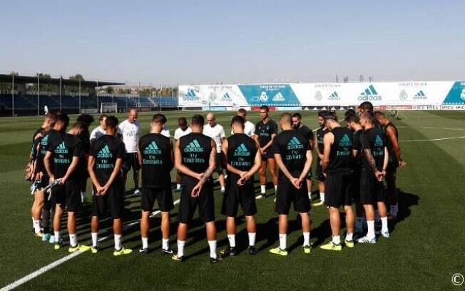 Real Madrid também respeitou um minuto de silêncio antes dos trabalhos