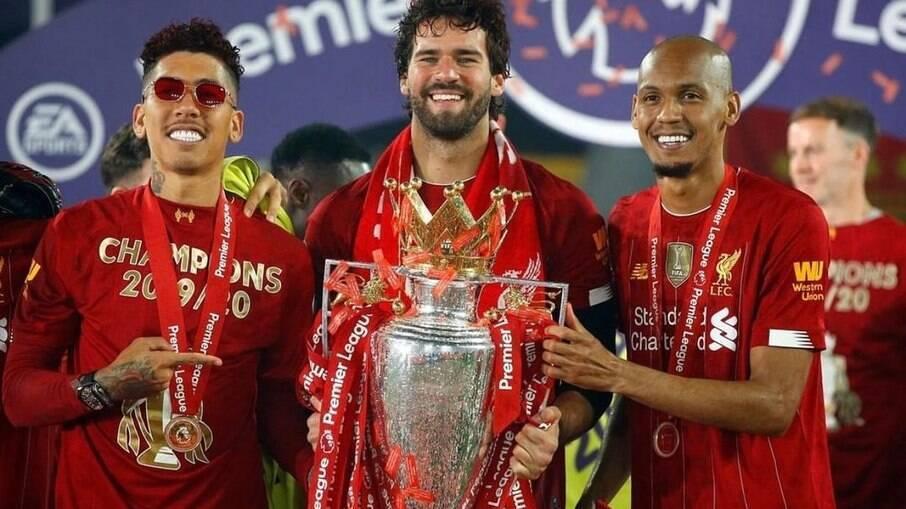 Roberto Firmino, Fabinho e Alisson foram barrados pelo Liverpool